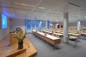 Unsere Seminarräume sind perfekt eingerichtet und technisch auf neuestem Stand.